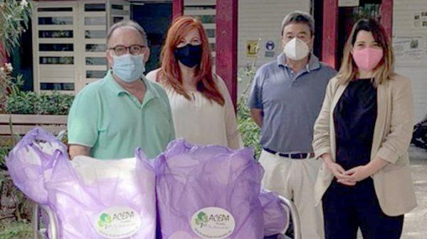 El Gobierno Local agradece a Cosiendo por Móstoles y a ACEPA la donación de más de 100 batas de protección a las Escuelas Infantiles